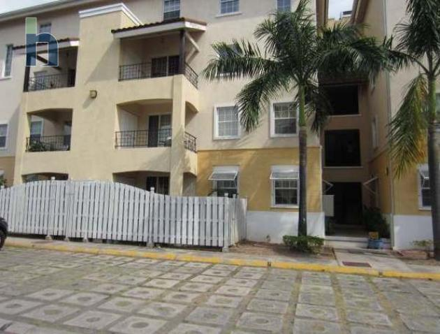 Photo #1 of 15 - Property For Rent at Winchester Estate, Winchester Road, Half Way Tree, Kingston & St. Andrew, Jamaica. Apartment with 2 bedrooms and 1 bathrooms at USD $1,100. #398.